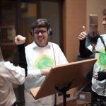 Un coro inclusivo promovido por Ecovidrio y la Fundación Prodis versiona una canción para sensibilizar sobre la importancia del reciclaje de vidrio