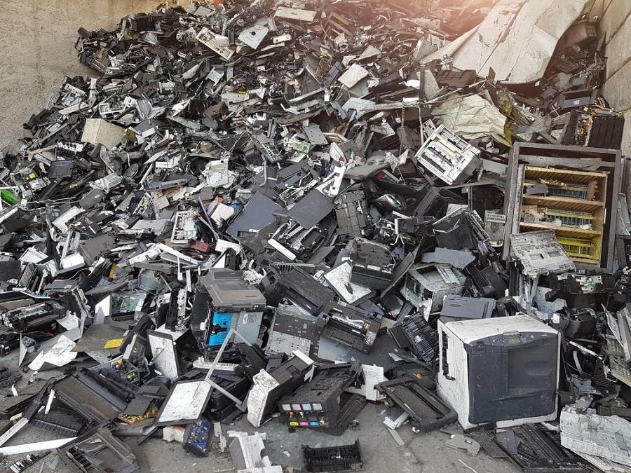 PLAST2bCLEANED: proyecto para el reciclaje de plásticos de residuos electrónicos