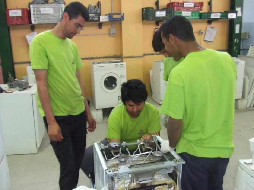 La reutilización es un nicho de empleo verde