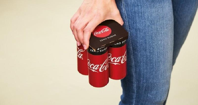Coca-Cola cambia el plástico por cartón en sus packs de latas