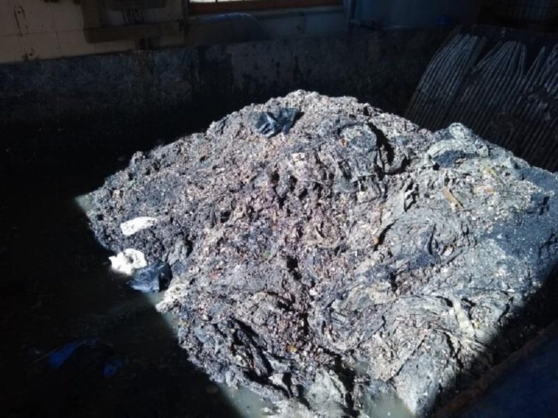 Toallitas acumuladas en bombeos de aguas residuales