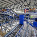 STADLER entrega al Grupo Schroll una planta de clasificación de residuos flexible preparada para necesidades futuras