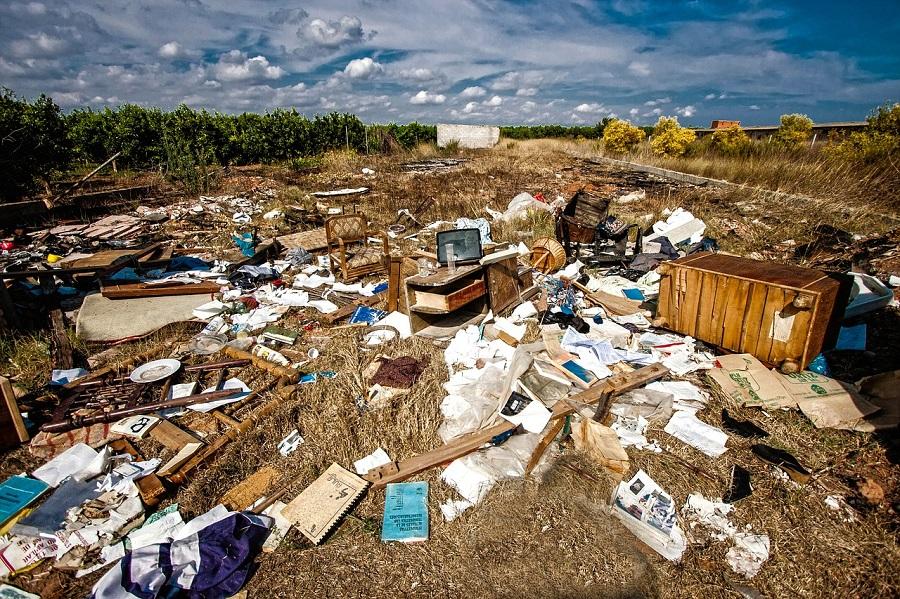 vertido incontrolado de residuos