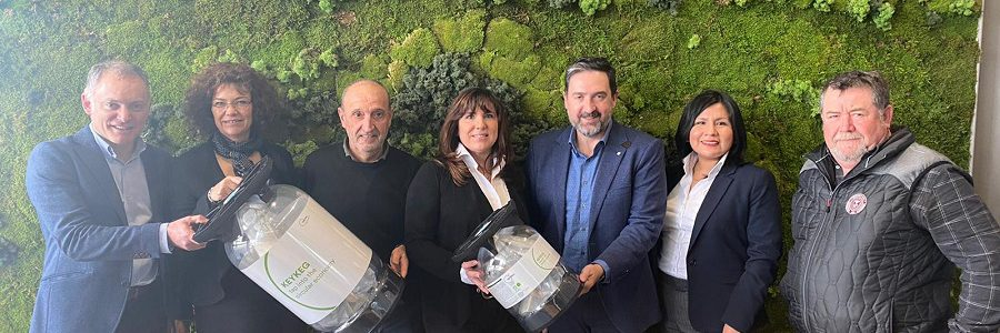 La cervecera La Salve pone en marcha un sistema de logística inversa para reciclar los barriles de plástico en la hostelería