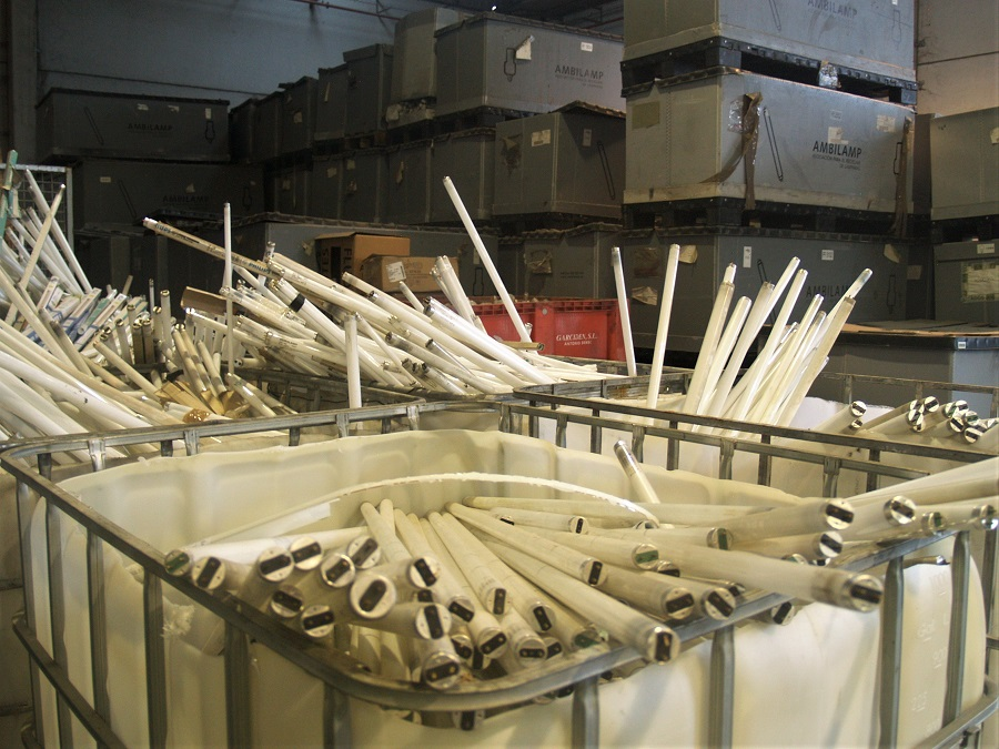 AMBILAMP recoge más de 8.000 toneladas de residuos electrónicos en 2019