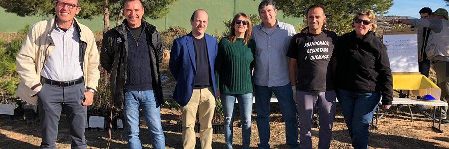 El II Congreso de Residuos de Aparatos Eléctricos y Electrónicos planta 500 árboles para compensar su huella de carbono