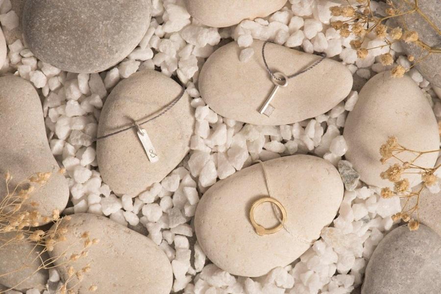 joyas a partir de metales preciosos de móviles reciclados