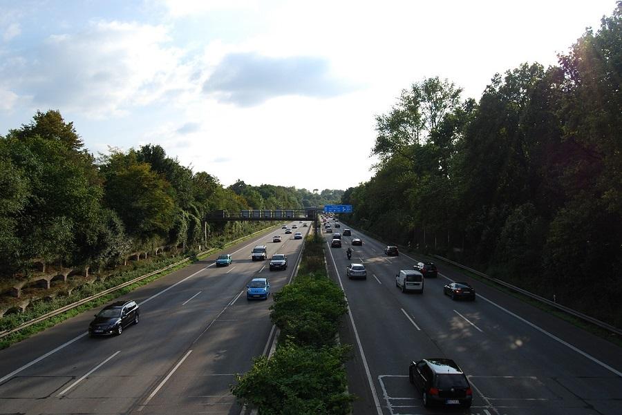 Proponen limites de velocidad en las autopistas alemanas para reducir emisiones