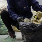 Reciclado químico de basuras marinas para obtener combustible para embarcaciones de pesca