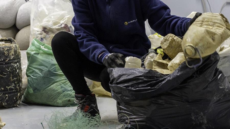 El proyecto RepescaPlas aborda diversas vías d evalorización de las basuras marinas