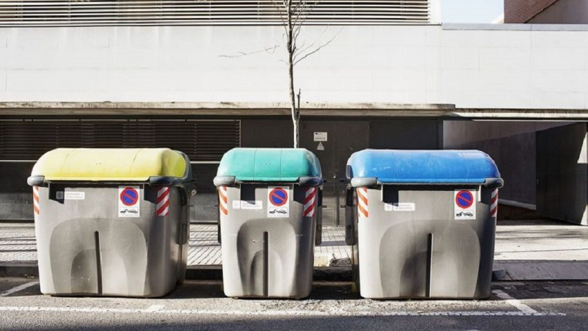 Contenedores de residuos urbanos en Barcelona