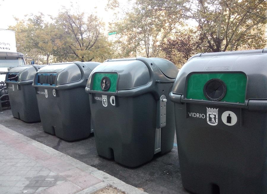 Iniciativa solidaria para bajar la basura a personas mayores o en cuarentena durante la alerta por el coronavirus