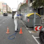 Valencia crea un dispositivo especial para desinfectar contenedores de residuos y papeleras