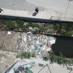 Las acequias de la Vega Baja del Segura acumulan más residuos urbanos que agrícolas