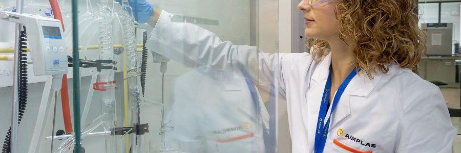Aimplas desarrolla procesos de reciclado basados en enzimas que degradan los plásticos un 70%