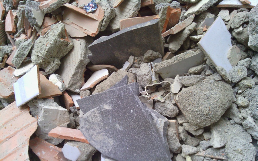 EMAYA retira 500 tM de residuos voluminosos y escombros abandonados