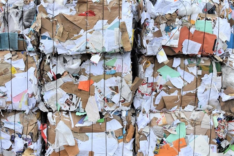 Cae la recogida de papel y cartón por el parón comercial