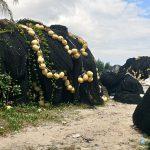 Redes de pesca convertidas en mochilas: un proyecto vasco da una segunda vida a los residuos marinos