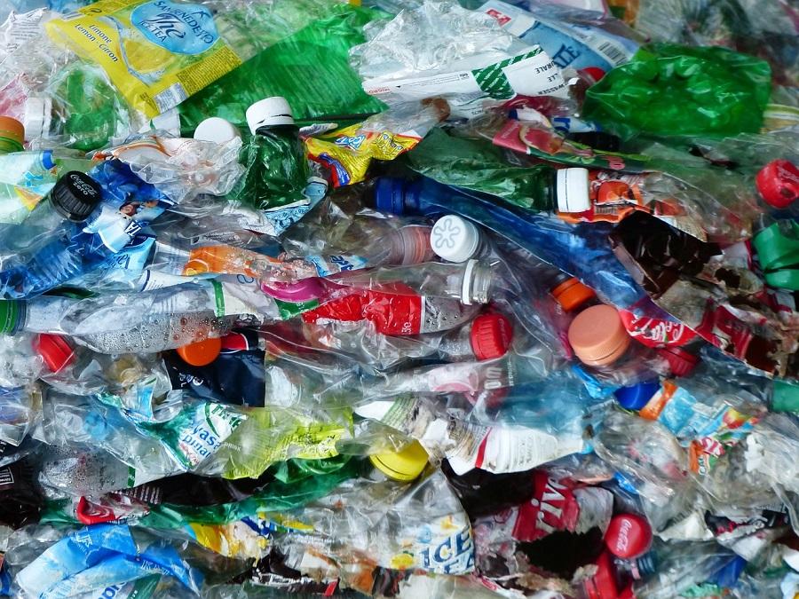 Un contenedor inteligente para optimizar la recogida de residuos plásticos en hoteles