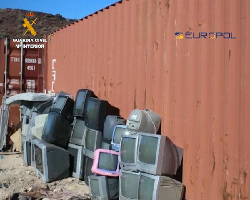 La Guardia Civil desarticula una red de traslado ilegal de residuos peligrosos a África