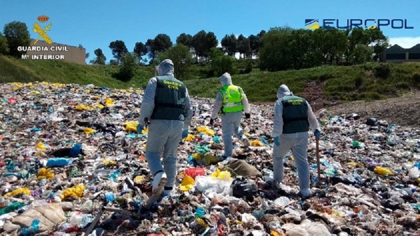 La Guardia Civil investiga 300 empresas gestoras de residuos sanitarios