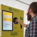 El sistema de Ecoembes que recompensa el reciclaje se extiende a nuevos municipios