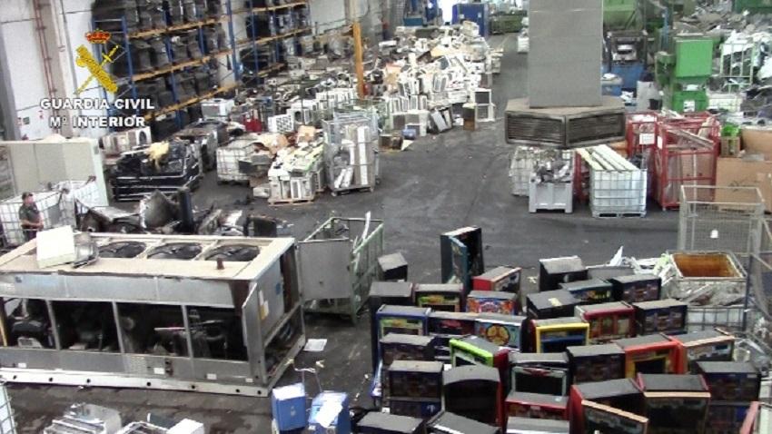 Cinco detenidos en una planta de reciclaje de residuos electrónicos en Sevilla