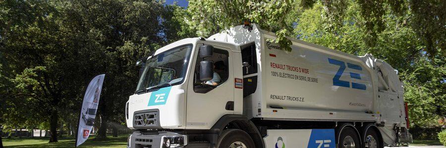 Urbaser incorpora un camión 100% eléctrico a la recogida de residuos en Barcelona