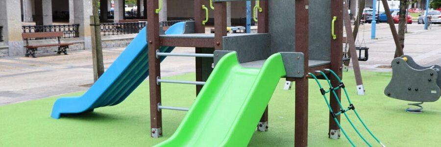 Instalado en Zarautz el primer parque infantil fabricado con plástico reciclado