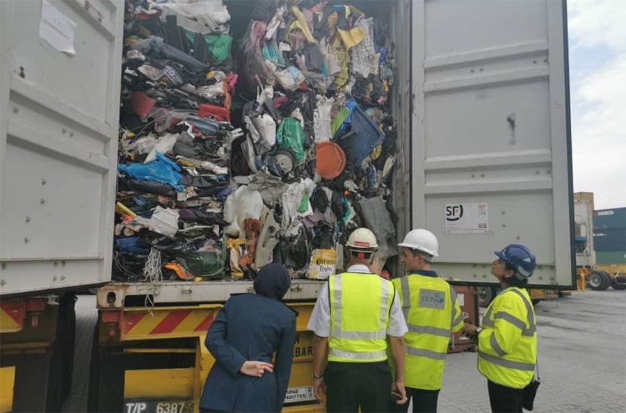 Interpol alerta de un incremento alarmante del comercio ilegal de residuos plásticos