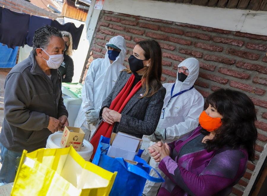 Carolina Schmidt visitó a las primeras familias de Chile que contarán con la recogida de residuos puerta a puerta