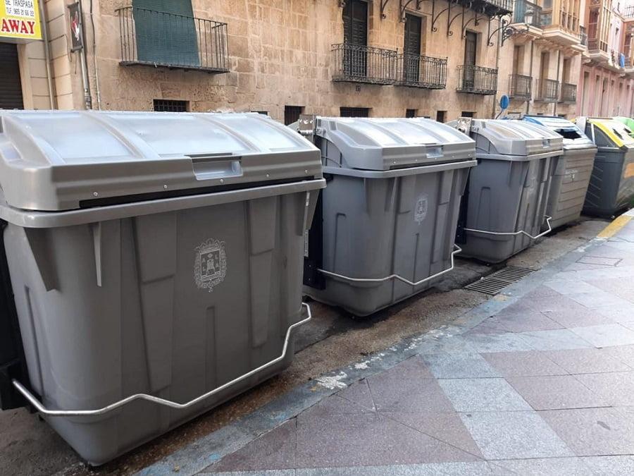 Alicante renueva más de mil contenedores de residuos