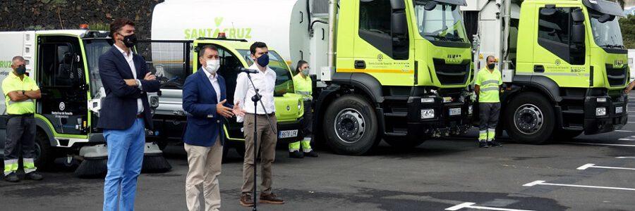Santa Cruz de Tenerife incorpora 49 vehículos de gas y eléctricos a la limpieza y recogida de residuos