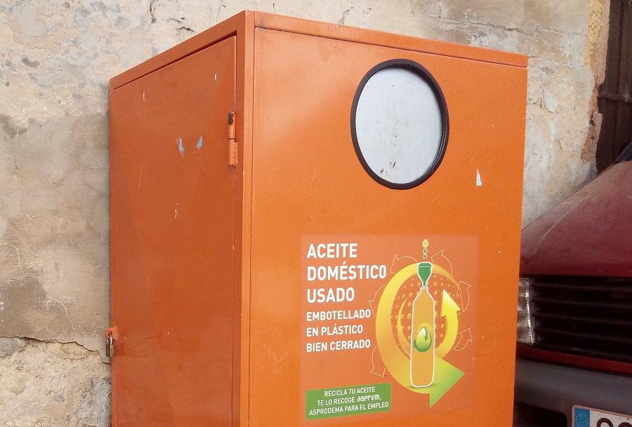 Contenedor de aceite usado