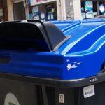 Valencia amplía las bocas de los contenedores de papel y cartón para evitar su contacto