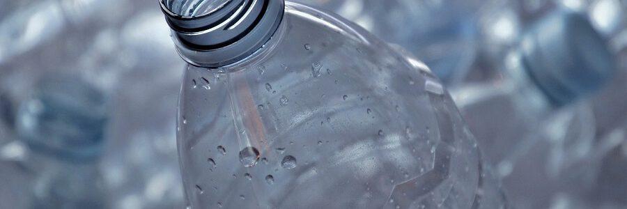 El Gobierno de Irlanda lanza una consulta pública sobre el sistema de depósito y devolución para botellas de plástico y latas
