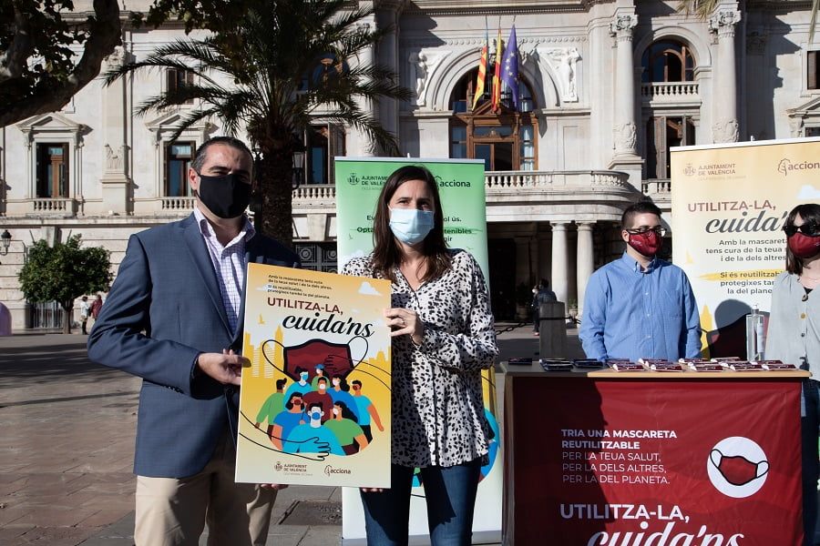 Valencia reparte mascarillas reutilizables