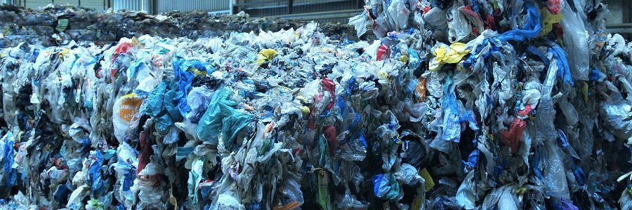 Europa debe duplicar el reciclaje de plásticos para cumplir su objetivo en 2025