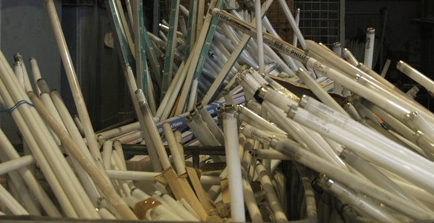 Acuerdo entre FECE y AMBILAMP para la gestión de residuos de lámparas
