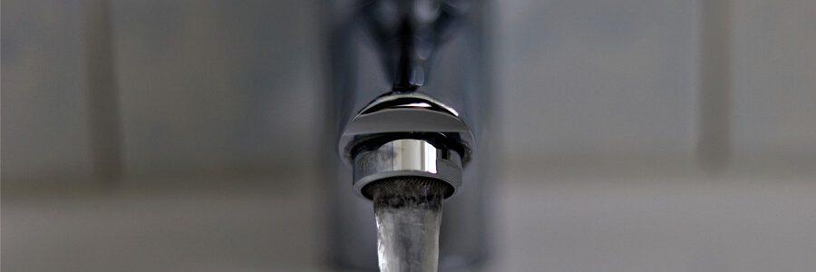 Acuerdo en el Parlamento Europeo para mejorar la calidad del agua de grifo y reducir los residuos plásticos