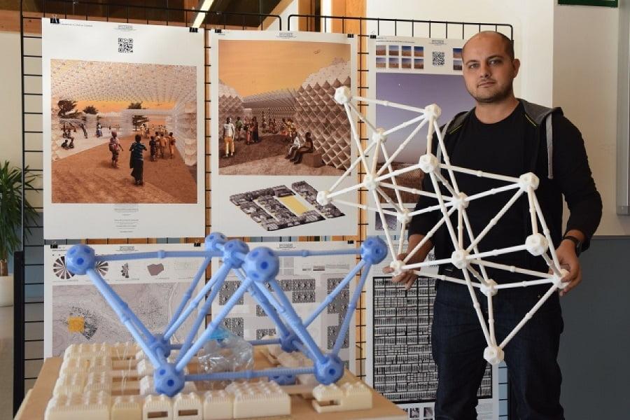Premian una propuesta d ecampo de refugiados impreso en 3D con botellas de plástico recicladas