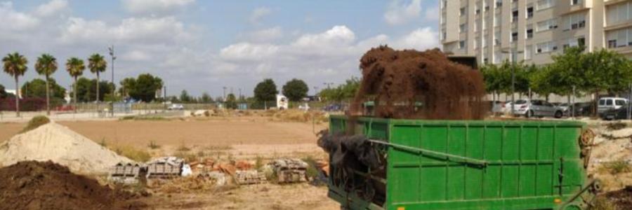 Valencia acoge un proyecto de compostaje de paja de arroz en huertos urbanos