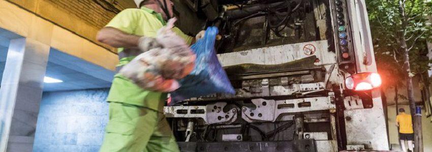 Barcelona ampliará la recogida de residuos puerta a puerta a nuevos barrios de la ciudad