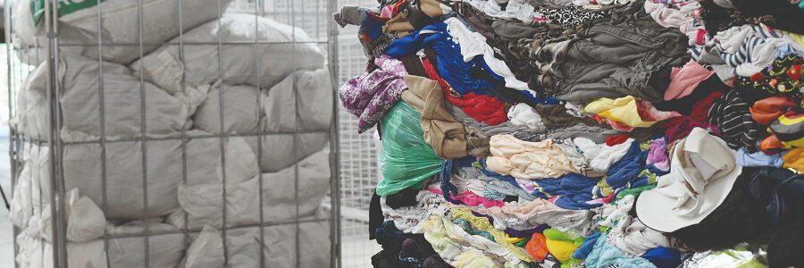 La patronal del reciclaje reclama el apoyo de los ayuntamientos a la recogida y gestión de residuos textiles