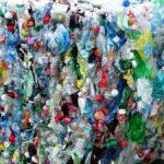 La falta de infraestructuras de recogida lastra el reciclaje de botellas de plástico en Europa