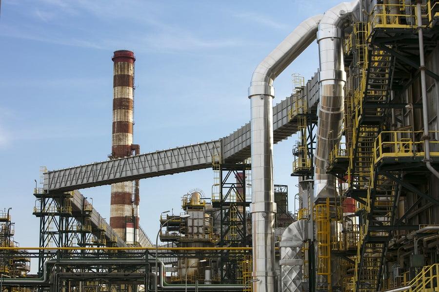 Repsol ya produce biocombustibles para aviones en Tarragona