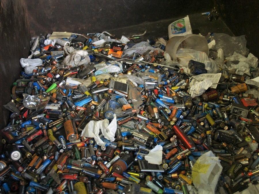 Nuevo RD para la gestión de pilas y residuos de aparatos eléctricos y electrónicos