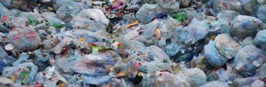 La industria británica del plástico lanza una hoja de ruta para reducir al 1% los residuos plásticos enviados a los vertederos