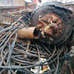 El Puerto de Vigo retira 30 toneladas de residuos de los fondos marinos