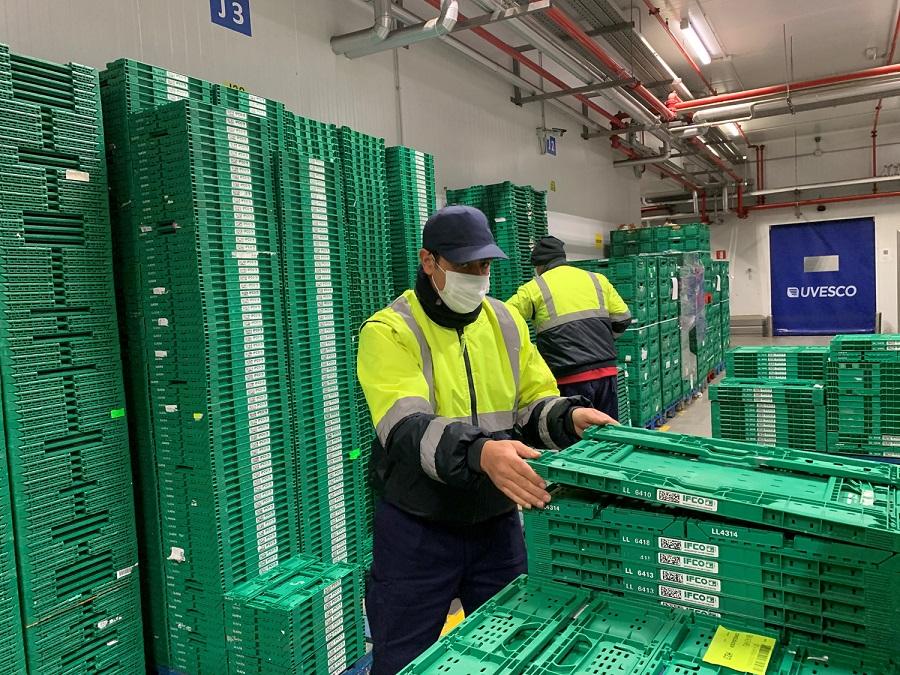 Cajas reutilizables plegadas de BM Supermercados